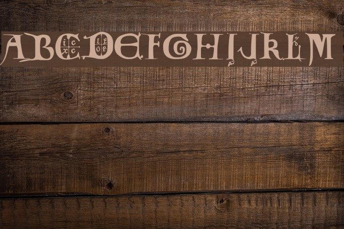 12th century caps Шрифта examples