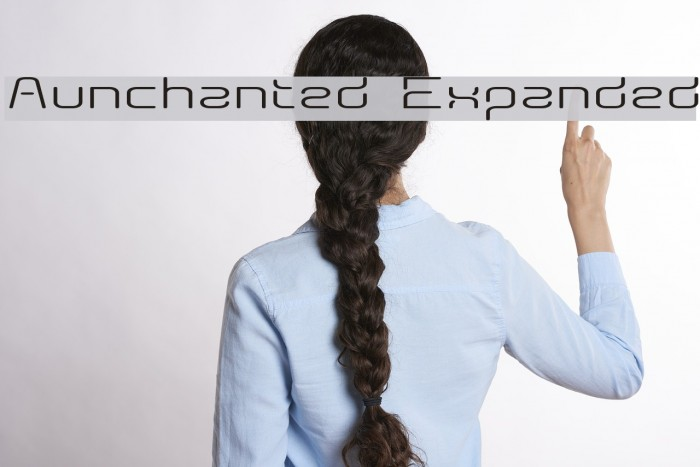 Aunchanted Expanded Fonte examples