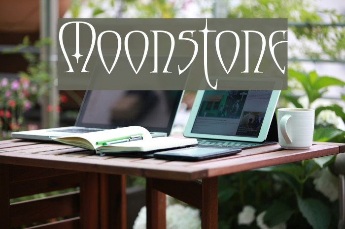 Moonstone Font examples