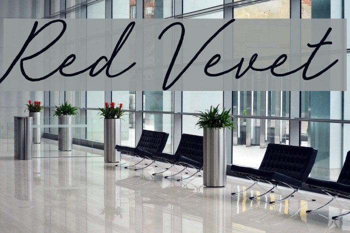 Red Vevet Font examples